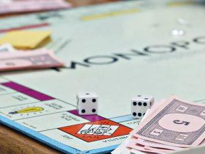 marktvormen monopolie oligopolie mededinging marketing voor beginners uitleg uitgelegd concurrentie